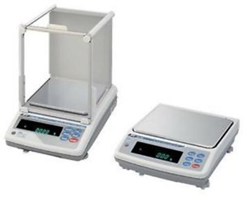 10.1 KG x 0.001 G (1 MG) A&D Weighing MC-10K Mass Comparators, Internal Cal NEW