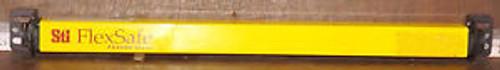 1 USED STI FS4316BX-2 406mm LIGHT CURTAIN TRANSMITTER