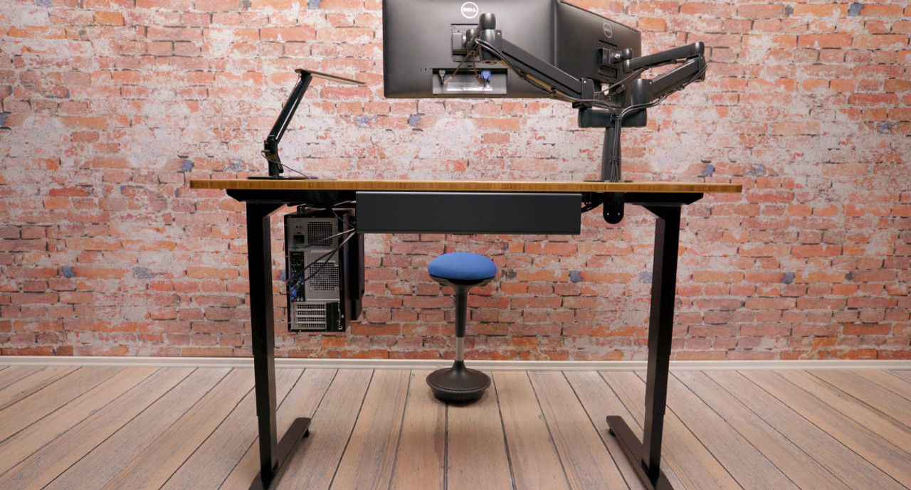 Etonnant Enjoy Better Workplace Ergonomics With The Help Of The UPLIFT Space Saver  Standing Desk