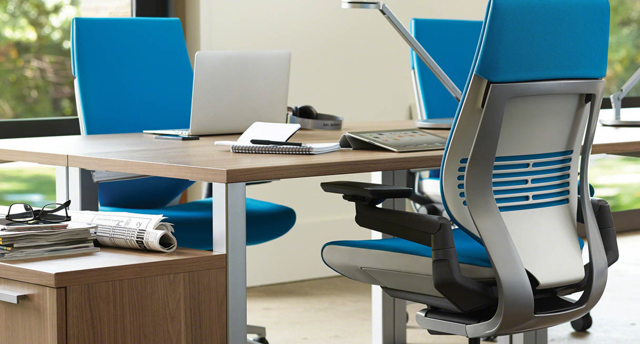 The Gesture Chairu0027s Seat Slider Offers Quick Seat Depth Customization For  Users Of Different Heights