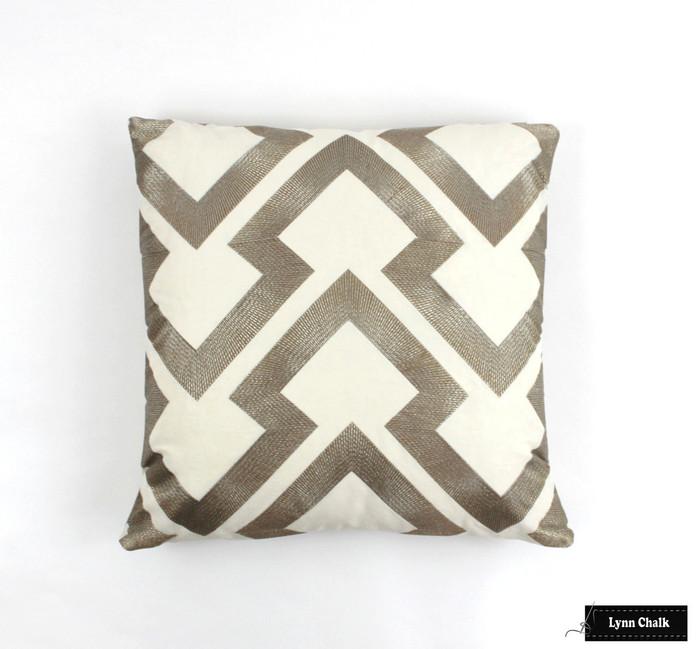 Pillow in Lightning Bolt in Antique 8014121 411 (20 X 20)
