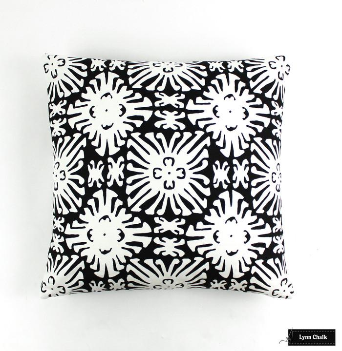 Quadrille Sigourney Reverse Small Scale Black on White 2485 09 Pillow (20 X 20)