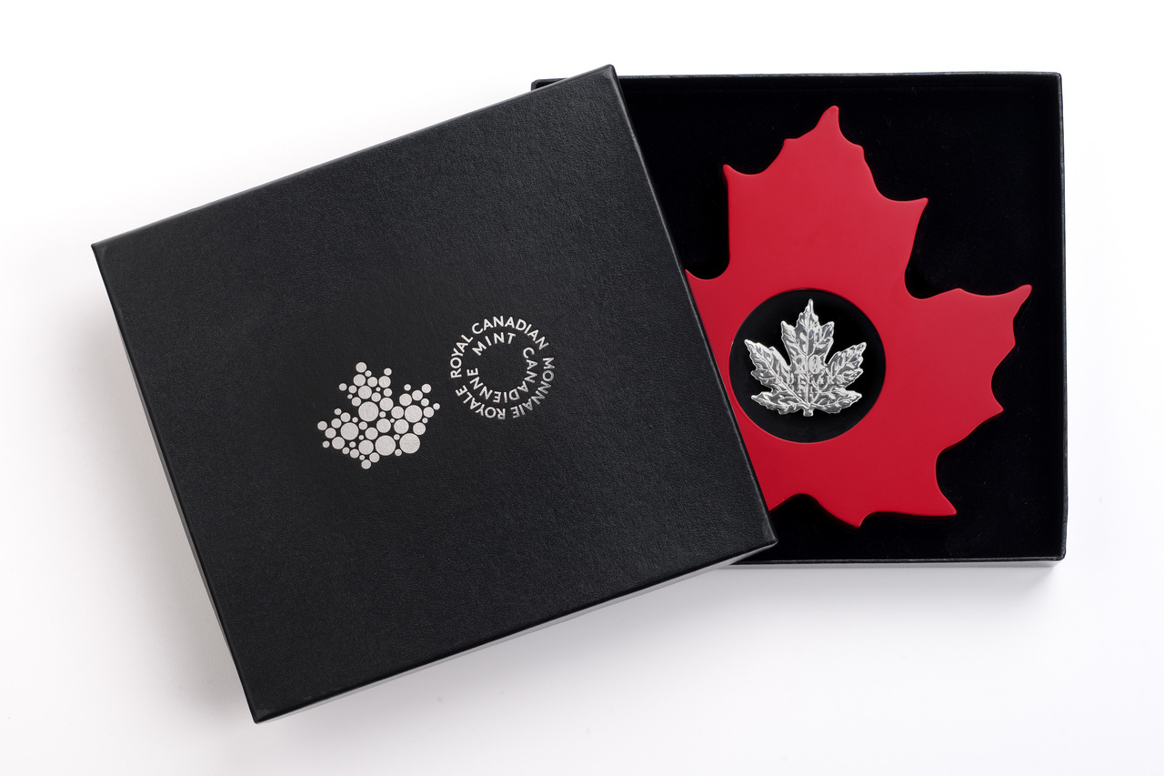 The Canadian Maple Leaf Shape Coin 2015 20 1 Oz Fine