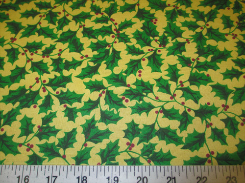 Discount Fabric Quilting Cotton Christmas Green Holly Floral T16