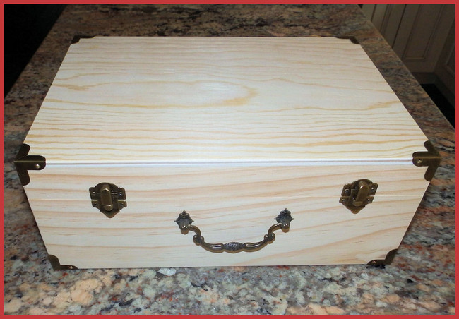 "Wood - Decorative Box With Metal Corners 12"" x 9"" x 5"" (1923130L)"