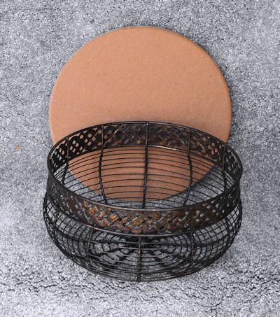 antique-wire-basket-958568.jpg