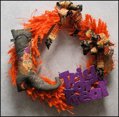 da-witch-boot-20467207-wreath-sm.jpg