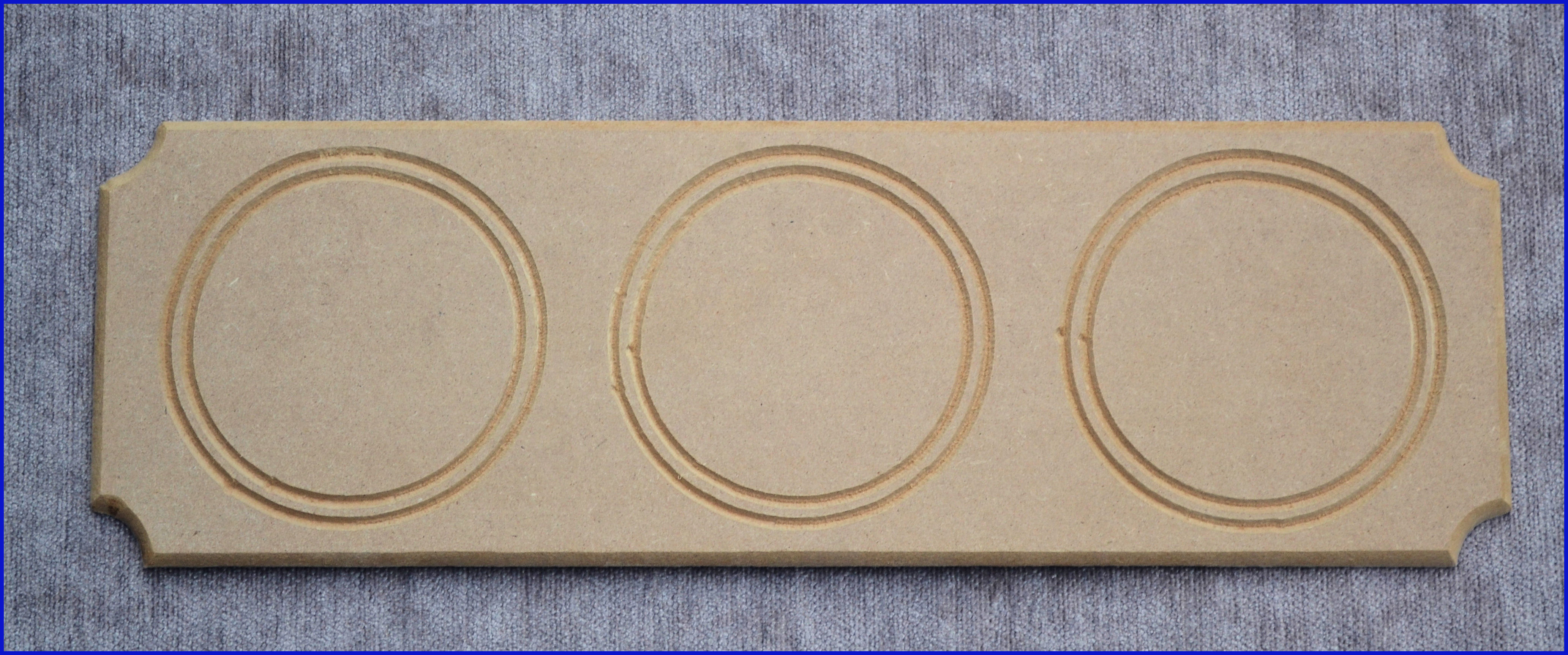 lw-plaque-with-3-circles-4213.jpg