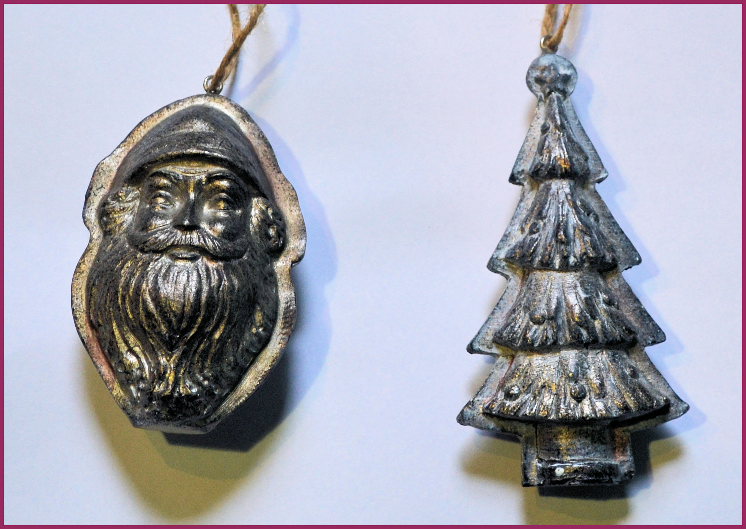 metal-ornaments-santa-tree-boarder.jpg