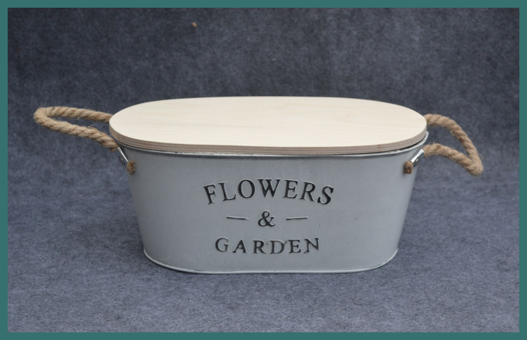 metal-oval-garden-containner-with-lid-front-tma74380.jpg