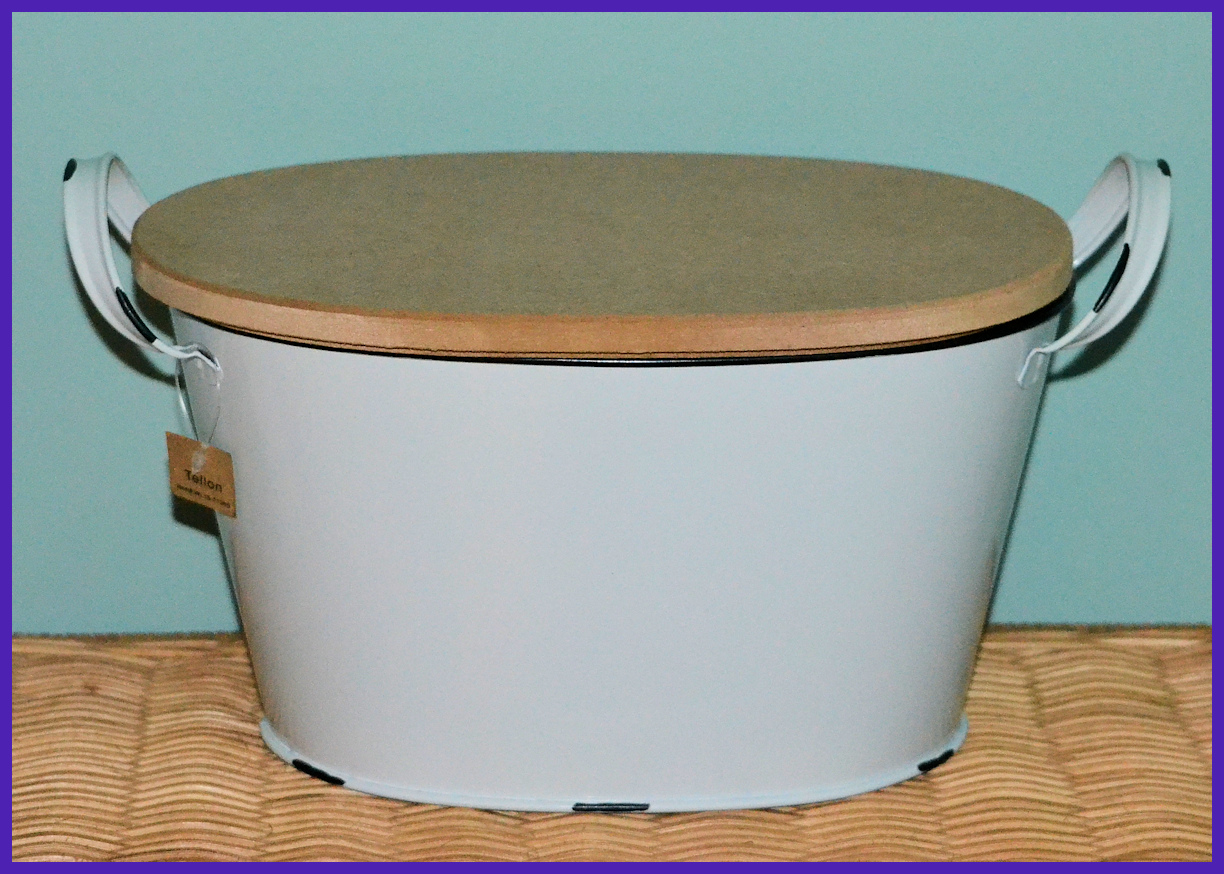 metal-white-comtainners-with-mdf-lid-back-wl1811066.jpg