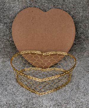 small-heart-wire-basket-232002-300-pixels.jpg