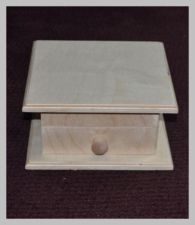 wood-folk-art-box-closed-sm-120405.jpg