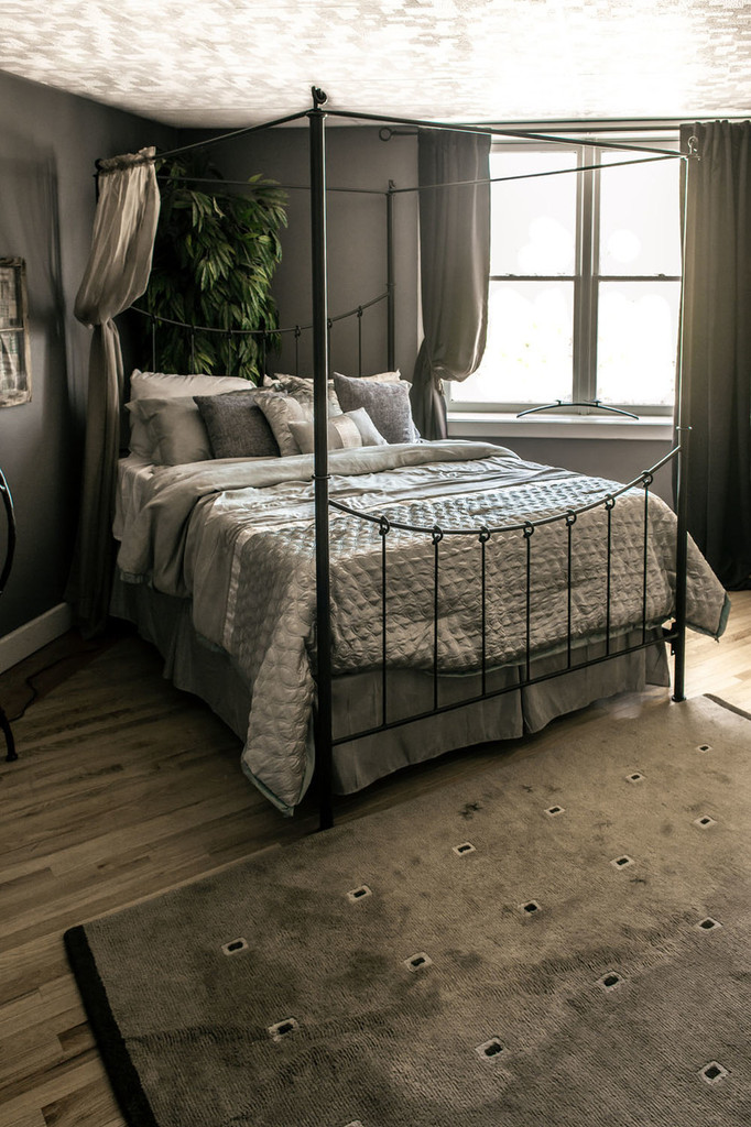 Knot Canopy King Iron Bed