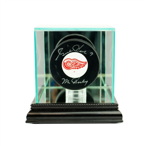Single Puck Display Case