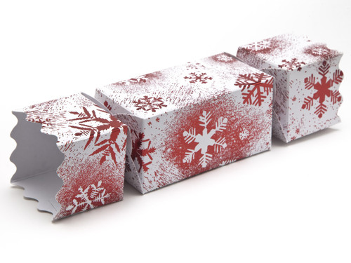 Medium Twist End Cracker - Red and White Snowflake | Meridian Speciality Packaging