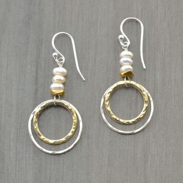 Handmade unique earrings with double hoop and freshwater pearls: view 1