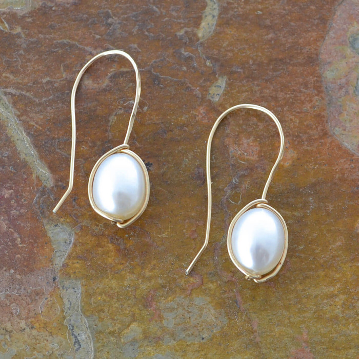 delicate handmade earrings with freshwater pearls: view 1
