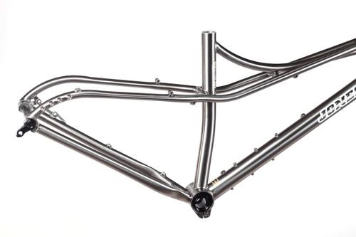 Jones Titanium Plus LWB Spaceframe with Titanium Truss fork - Jones ...