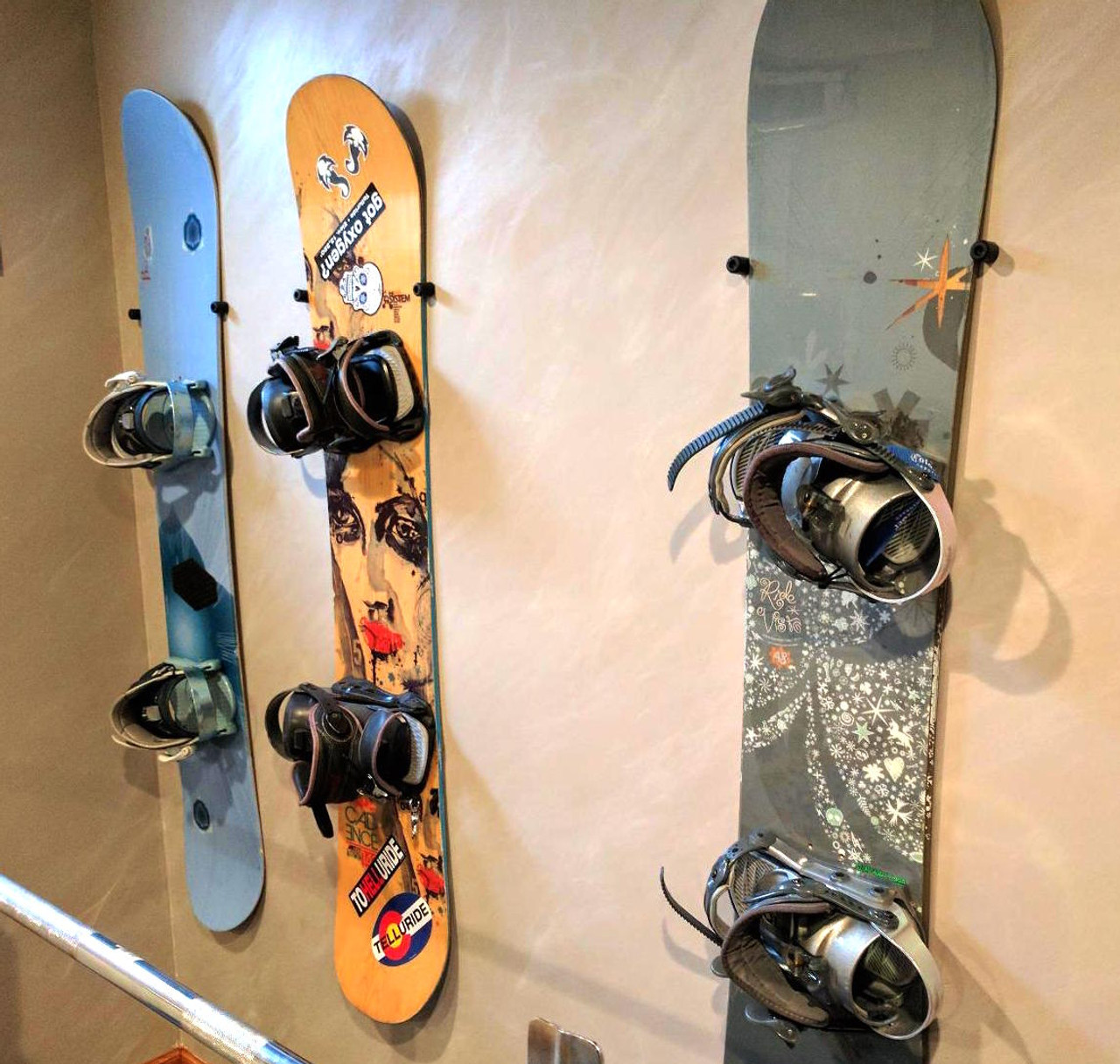 Floating Snowboard Wall Mount - StoreYourBoard.com