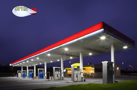 lighted-blimp-at-gas-station2.jpg