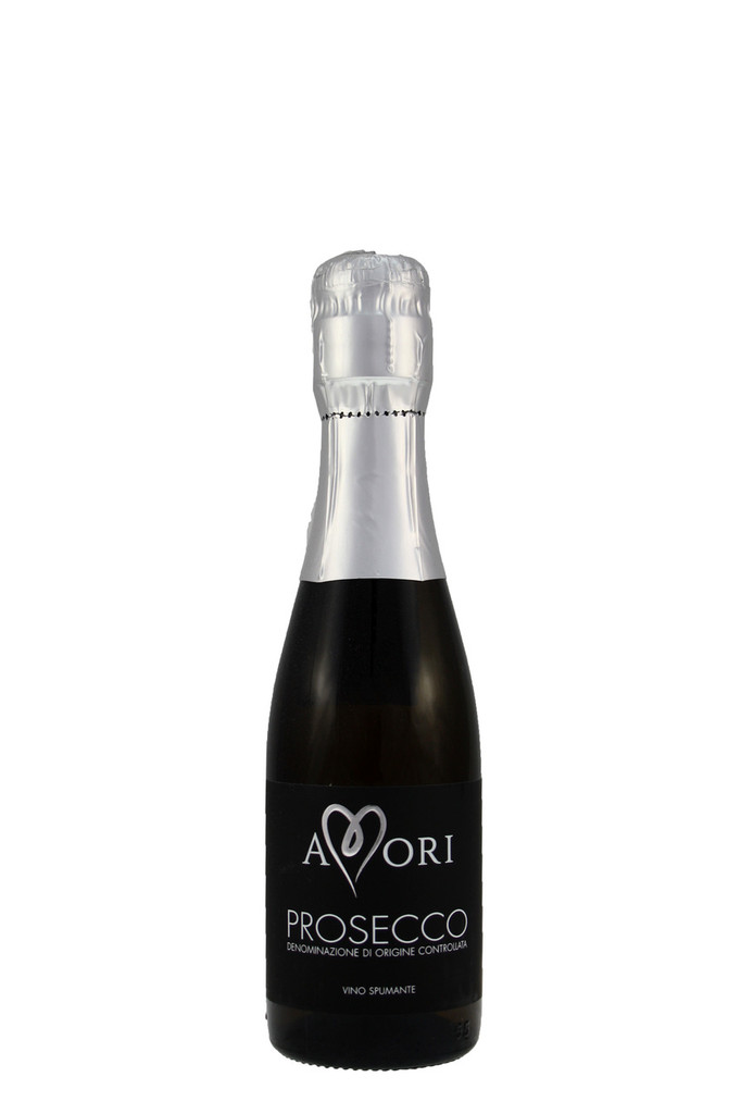 Amori has fine bubbles, with a classic Prosecco aromatic nose.