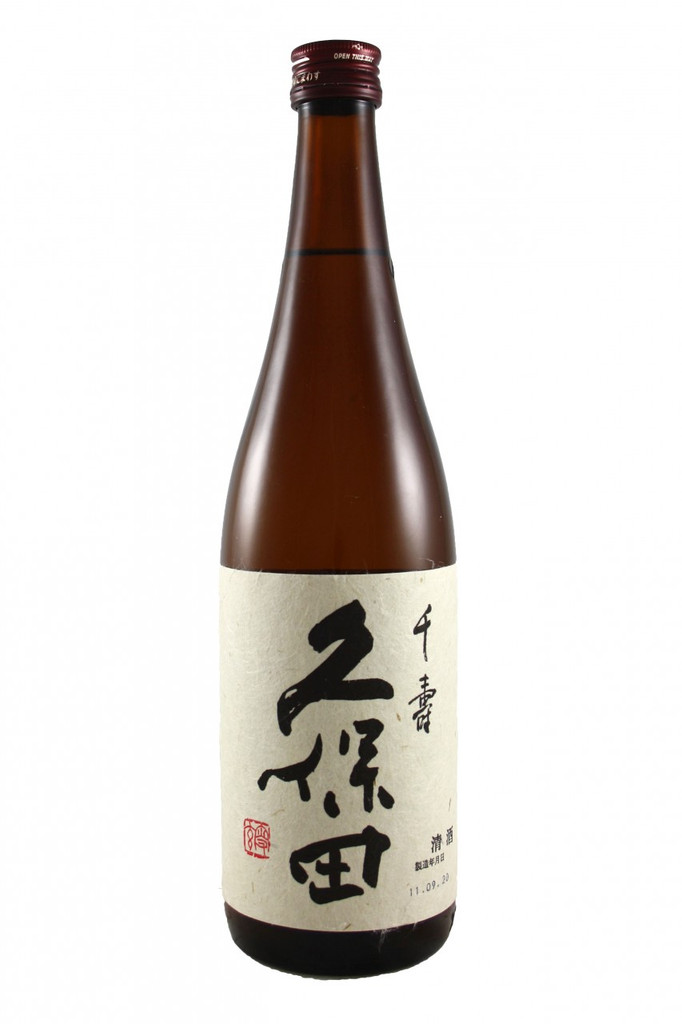 This sake is a large bottle of the Senjyu variety. Senjyu is a light, smooth and soft dry sake recommended for sake beginners. It is a sister sake to the higher quality 'manjyu' which can sell for a high price.