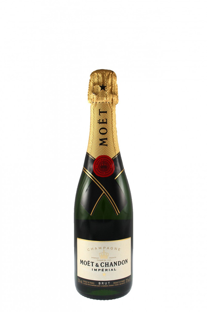 With a perfect balance of Pinot Noir, Chardonnay and Pinot Meunier, Moet Imperial Brut offers a bright fruitiness, a seductive palate and an elegant maturity, revealing aromas of pear, citrus and brioche. This 37.5cl size is perfect for picnics and gift hampers.