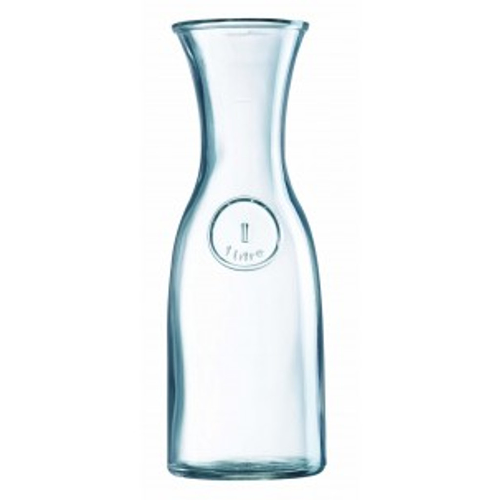 A professional dishwasher safe wine carafe. 1000ml / 100cl to line.