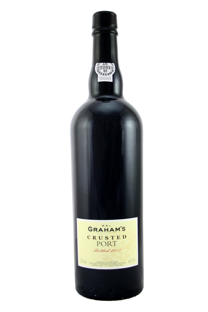 Complex aroma of black fruits and hints of mint and eucalyptus.