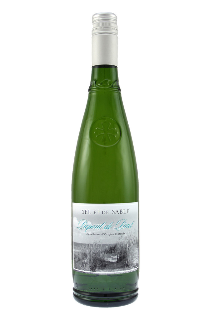 It is lively on the palate with notes of lemon, melon and honey finishing crisp and dry.