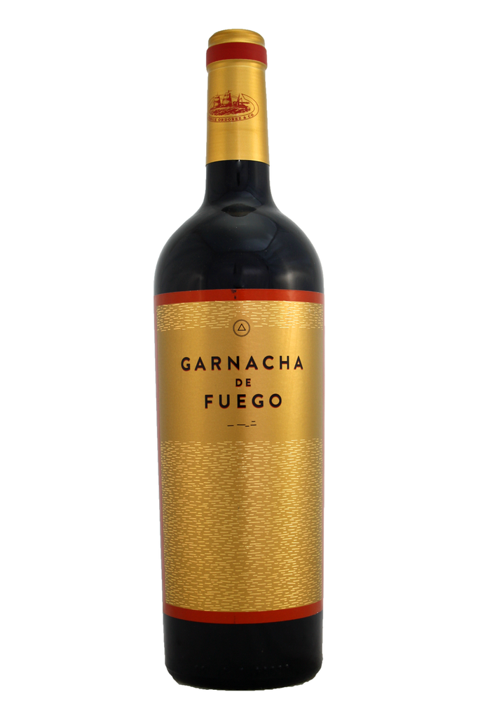 Aromas of sweet cherries and dark plums with an exotic spicy finish reminiscent of white pepper.