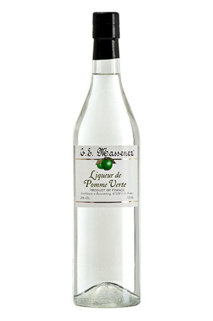 Intense flavours on the palate, marked by the sugar of the fruit then compensated by a hint of acidity, typical of the Green Apple.