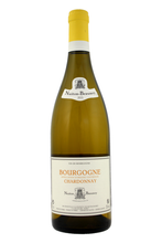 Unctuous and persistent on the palate with flavours of white fleshed fruit.