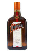 Cointreau is a triple sec (an orange-flavoured liqueur) .