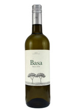 A succulent wine. Packed with crisp, clean yellow plum and white peach flavours.