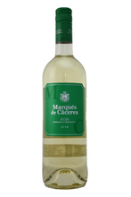 This wine's surprising freshness and delicious fruit are the result of a very careful selection of Viura grapes.