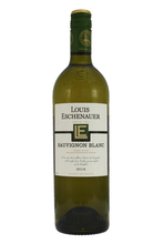 Brimming with grassy fruit flavours, a very expressive nose, with notes of orchard flowers, pineapple and exotic fruits.