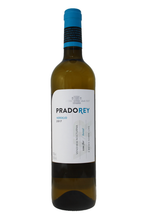 Appealing greenish tones, features varietal aromas from Verdejo with a complex background of exotic fruits with aniseed hints.