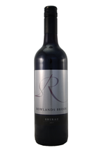 Rich and spicy Shiraz, this wine is medium bodied, smooth, velvety and rich on the palate.