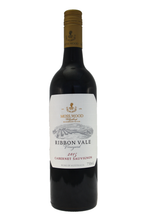 On the palate this wine is a classic Moss Wood Cabernet Sauvignon with concentration and great length.