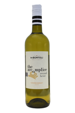 This dry white wine from South Australia has lifted aromas of peach and nectarine complemented with some very subtle vanilla oak.