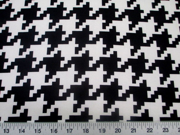 Discount Fabric Printed Spandex Stretch Black White Large Hounds Tooth 401C