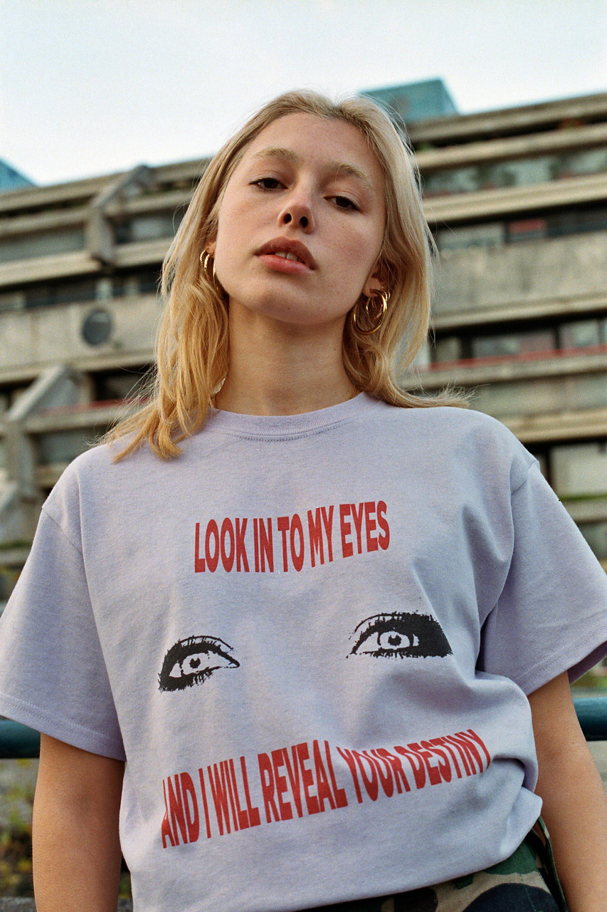 Light Purple Short Sleeved T-shirt with 'Look Into My Eyes' Graphic