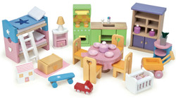 le toy van wooden doll furniture starter economical pack