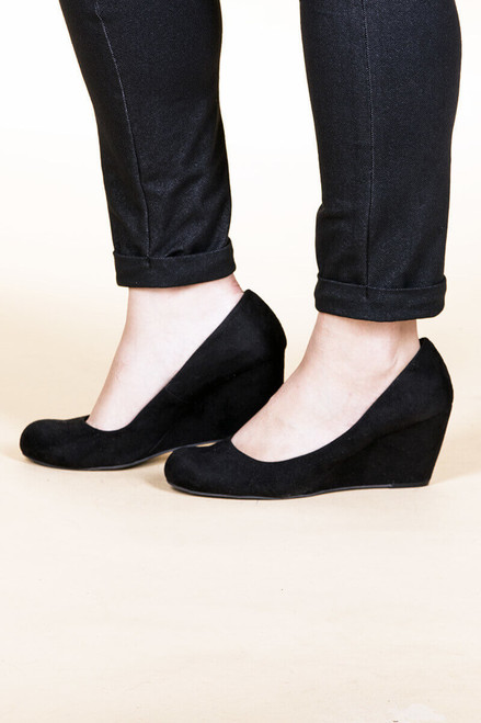 Risky Business - Suede Black