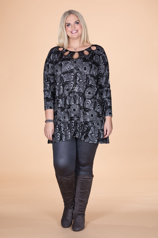 Count on Me Tunic - On The Fence Floral Print