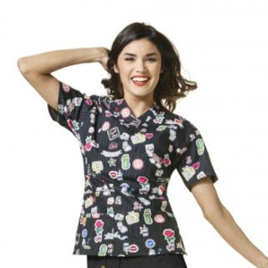(6017) WonderWink Origins Women's Printed V-Neck Top