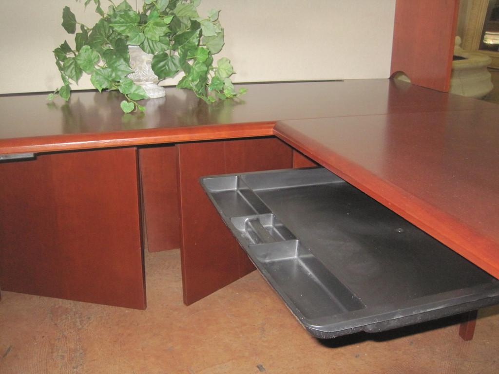 U-shape Wood Desk Set (Call 407 896 1251 for delivery)