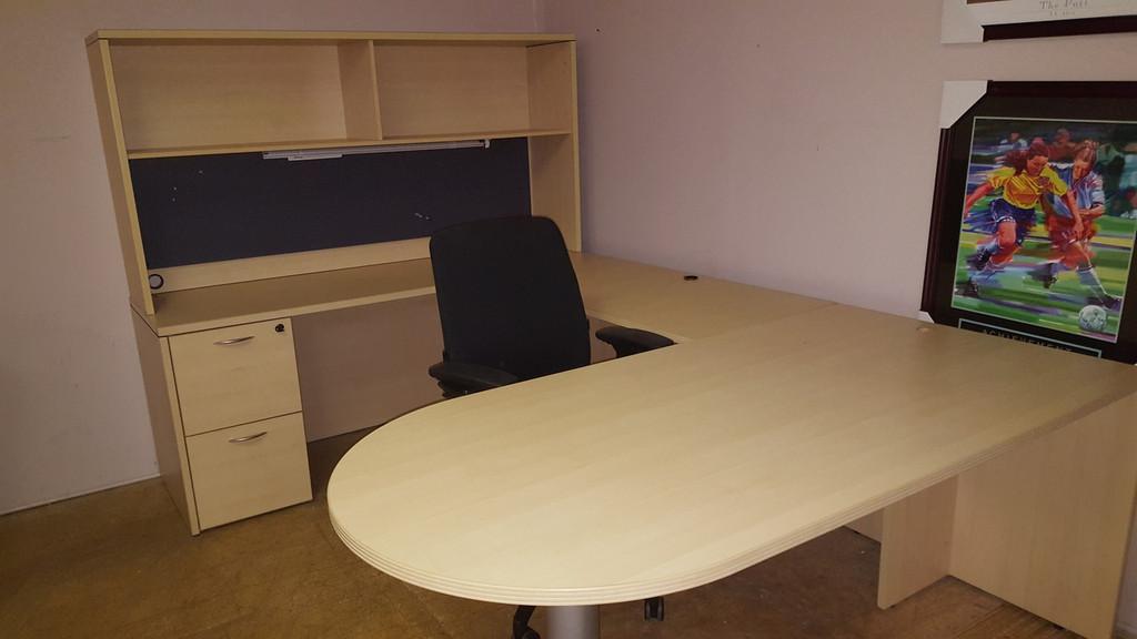 Bullet desk with return, bullet desk with hutch, bullet desk with credenza